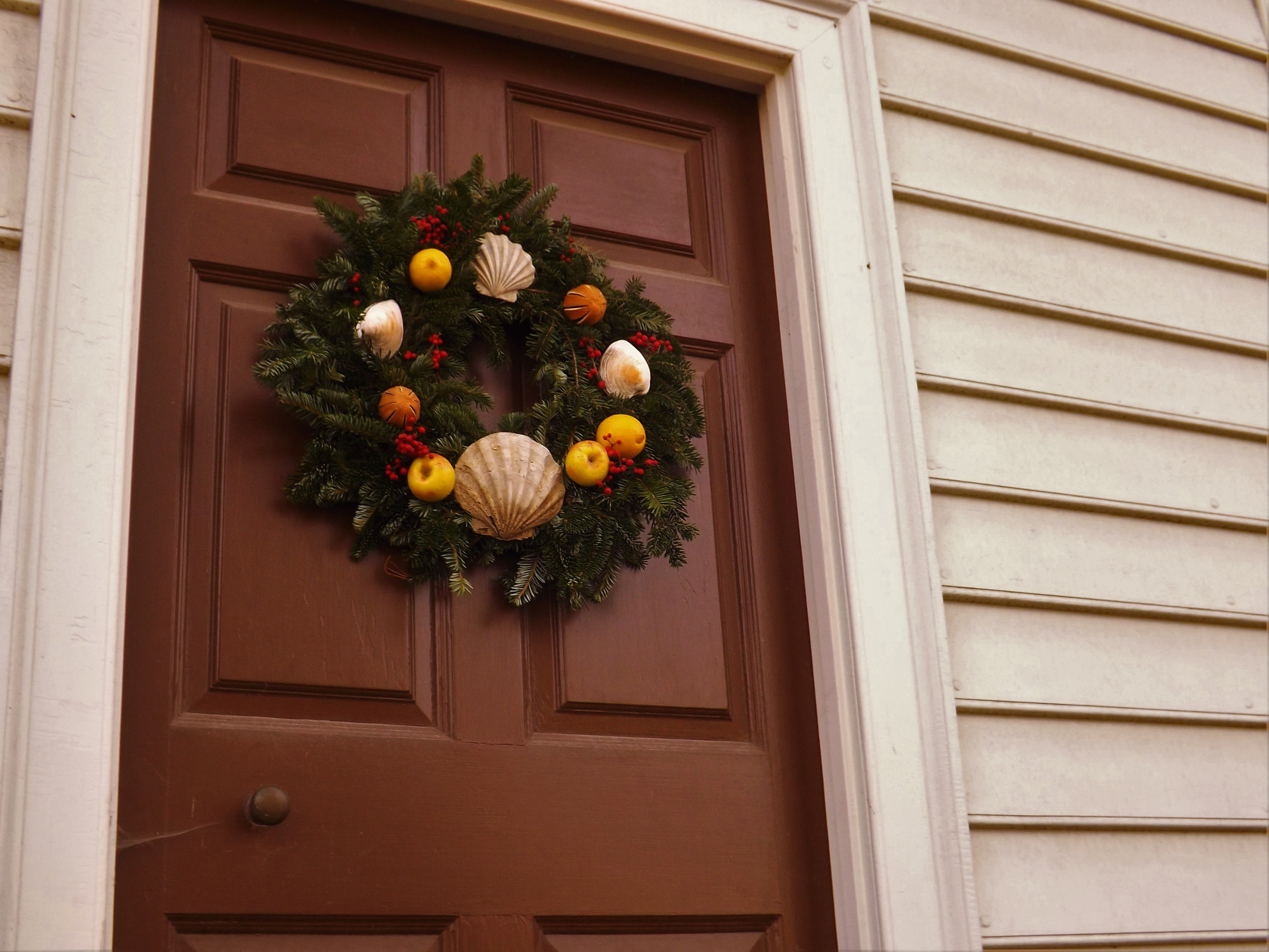 Williamsburg christmas decorations 1h worldsmith for H h christmas decorations