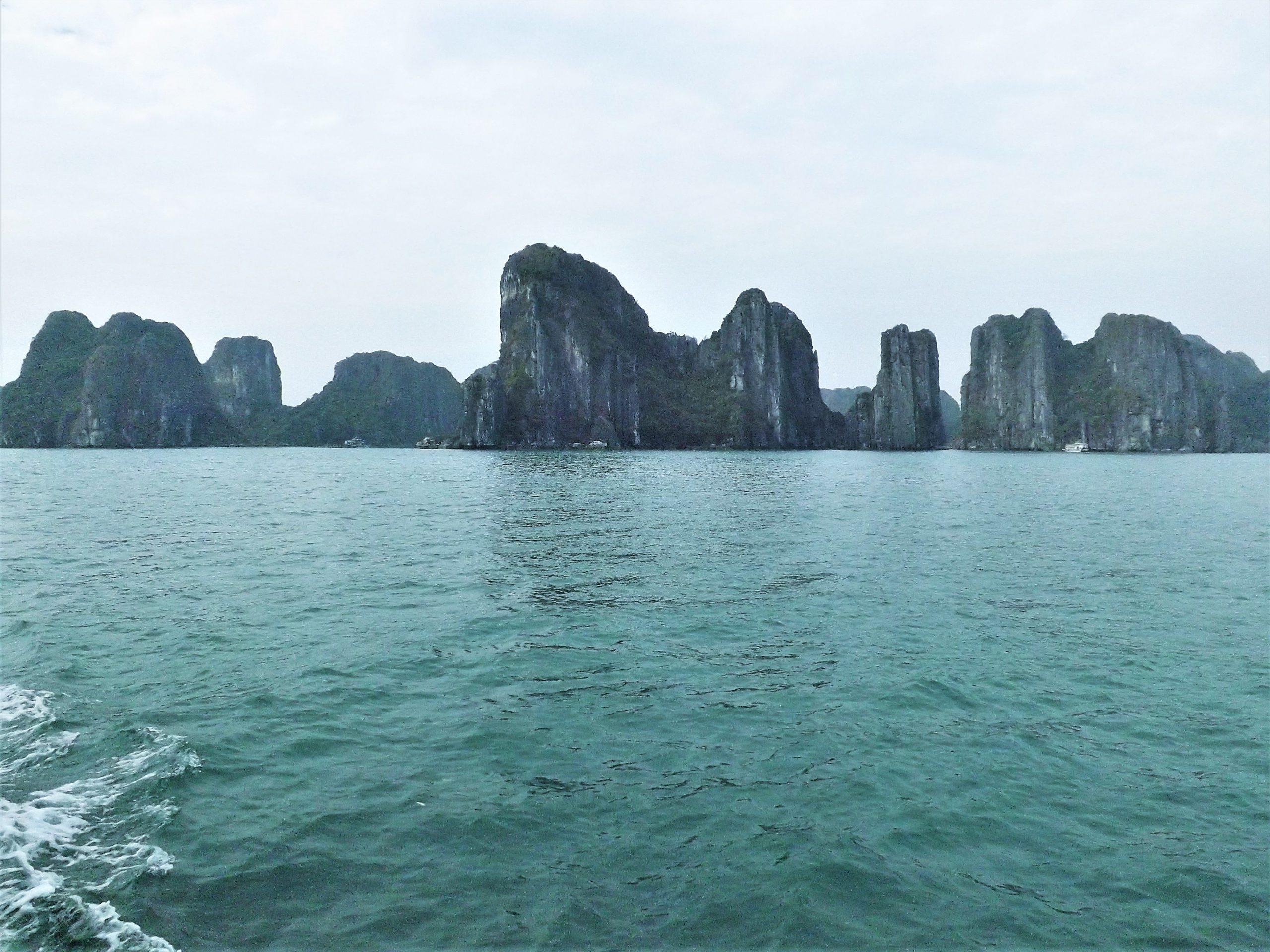 Halong Bay | Hanoi Vietnam | Southeast Asia Itinerary