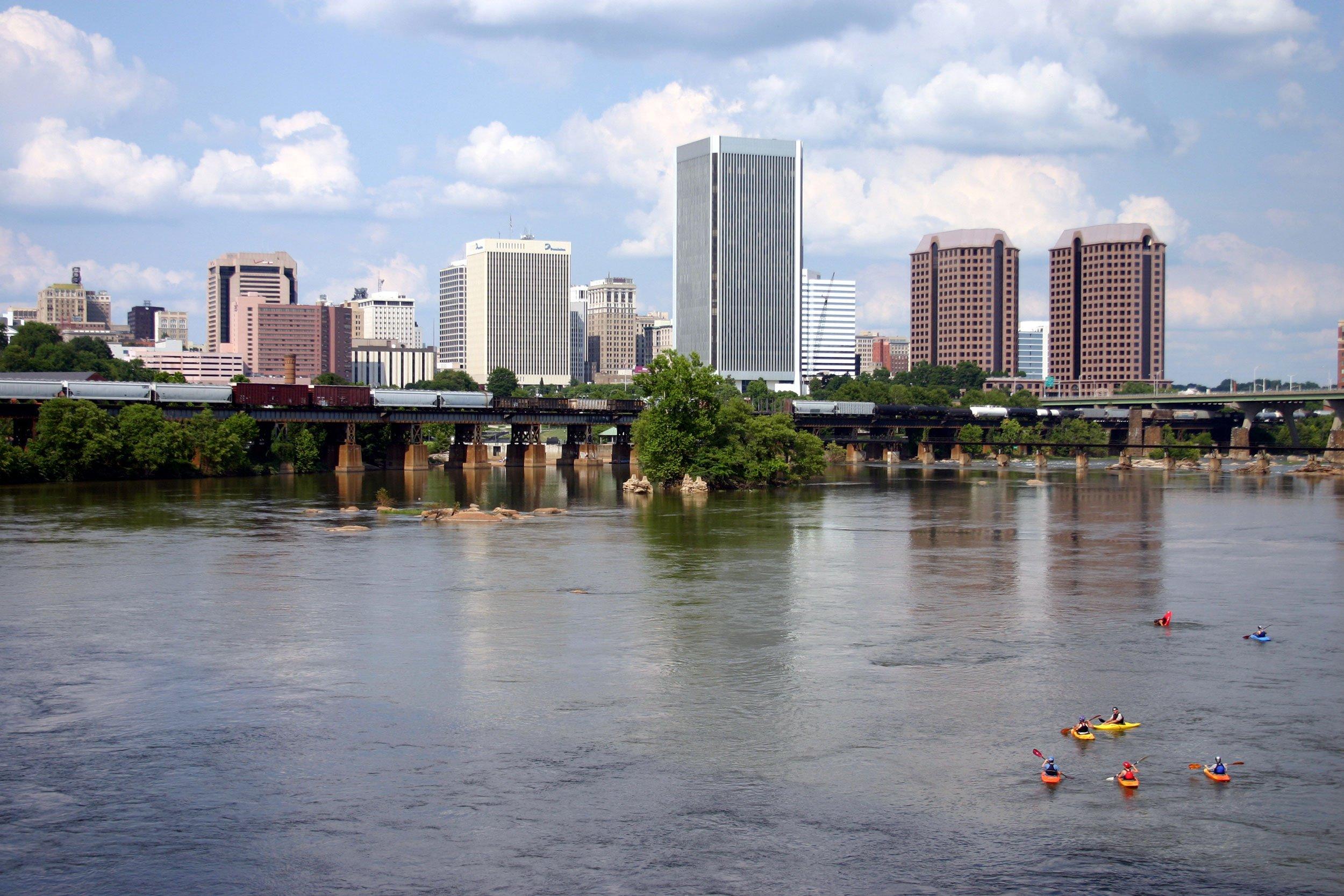 Kayaking the James River in Richmond Virginia | 2 Week Virginia Road Trip from Washington DC